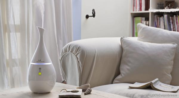 alpin-صالون-أبيض AlpinBreeze: رذّاذة عطر ذو تصميم أنيق لتزيين بيتك و التمتع بفضائل الزيوت الطبيعية في آن واحد